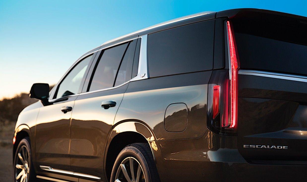 2022 Cadillac Escalade Sport Exterior